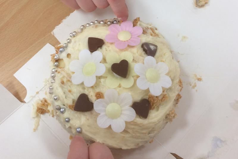 Royal Wedding Cake Decorating