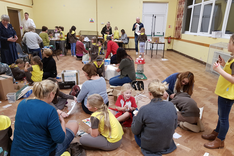 Barton Brownies & Parents Test New Programme Resources