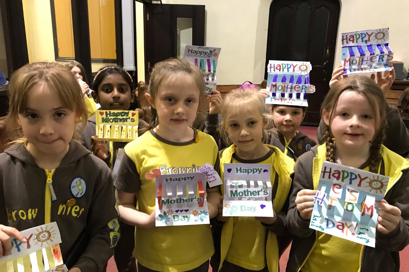 Longton Brownies Make Pop Up Mother's Day Cards