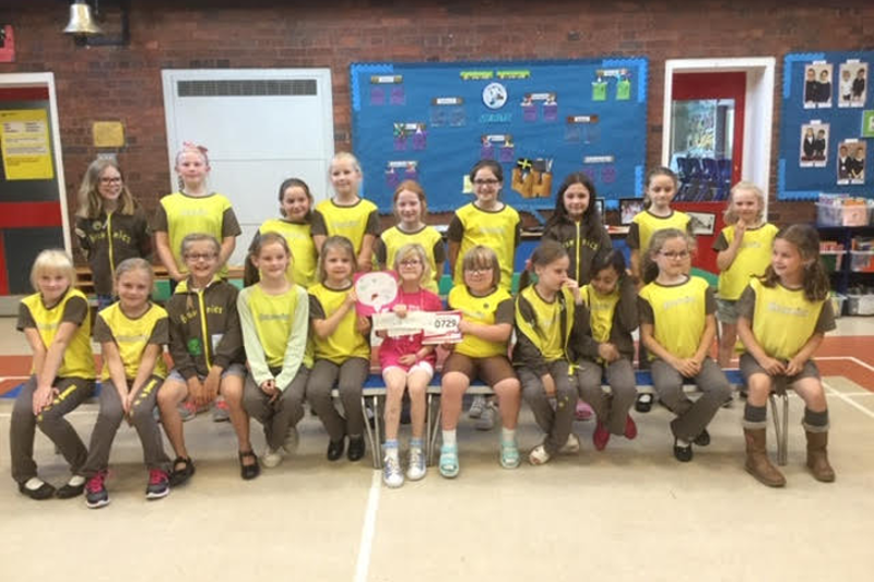 Alrewas Brownie Raises £1,000 running Race For Life